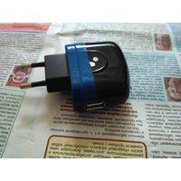 Зарядное устройство универсальное USB Vertex 5 v 1000 mA для мобильника
