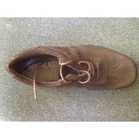Кроссовки, спортивные туфли всемирно извесной фирмы AEROSOLES размер 6,5 натуральная замша