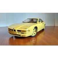 Восьмерка БМВ!!! BMW 850 CSi купе E31 Revell 1:18