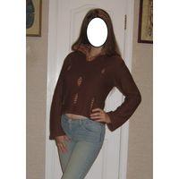 Коричневый шерстяной свитер