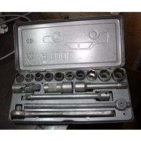 Набор ключей для ремонта автомашины