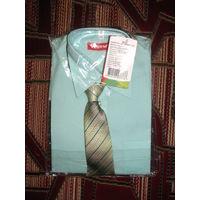 Рубашка с галстуком для школьника рост 134. Новая, в упаковке