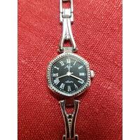 Часы Луч кварц 1356 СССР.