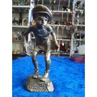 Мальчик-вратарь, бронза, 12,5 см. Советский.
