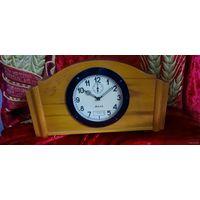"""Часы """"Весна"""", с календарём, настольные. 50-е годы, на ходу."""