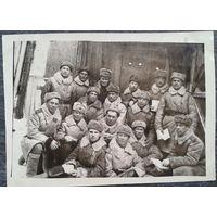 Фото группы военных в зимней форме одежды. Уфа. 1946 г. (на обороте список сфотографированных) 9х12 см.