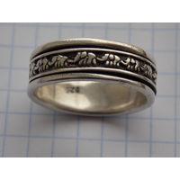 Кольцо (2 кольца в одном, слоны движутся по кругу)
