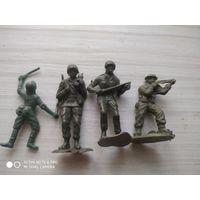 Солдатики 9 шт.