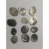 12 проволочных монет