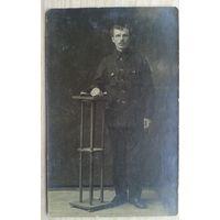 Фото М.Шеденко для друга Тимофея Виноградова. 1919 г. 8.5х13.5 см. (Из фотографий семьи Виноградовых)