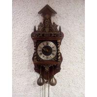 Большие старинные настенные  часы с боем