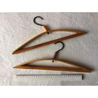 Вешалки плечики детские деревянные лакированные СССР 2 шт вместе