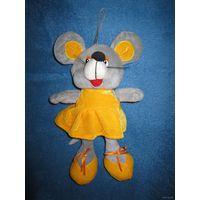 Очаровательная девочка в жёлтом сарафане) Мышка, 25 см