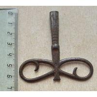 Ключ от старинных часов.