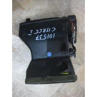 101537 Citroen c5 01-04 дефлектор правый (в торпедо) 963261667a
