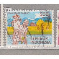 Грузовые автомобили машины 4-я пятилетка Индонезия 1986 год лот 1012