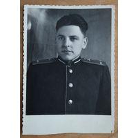 Фото лейтенанта Советской Армии. Конец 1940-начало 1950-х. 8.5х12 см