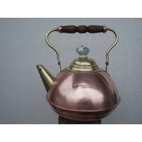 Старый медный голландский винтажный чайник с елементами фарфора