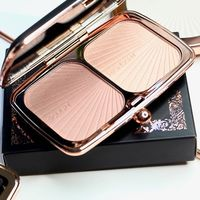 Палетка Makeup Revolution Renaissance Glow