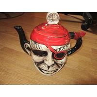 Чайник коллекционный . Пират