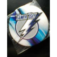 "Значок с Логотипом Хоккейного Клуба НХЛ  - ""Тампа-Бэй  Лайтнинг ""."