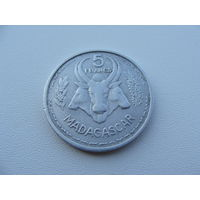 "Мадагаскар. ""Французский""  5 франков 1953 год  KM#5"