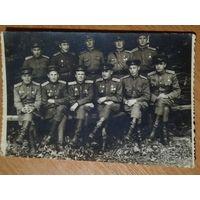 Групповое фото военных. 1945-46 г. 9х13 см