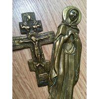 Старые предметы. Крест и Святая. Бронза.
