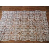 Старинная ажурная скатерть, плетеная на коклюшках
