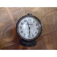 Часы, будильник ВЫМПЕЛ.