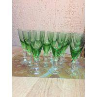 Фужеры зелёного стекла (12 штук)