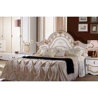 Кровать и тумбочки от спальни Рим Белое с золотом