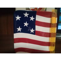 Декоративная тарелкп флаг США отличная 15 рублей