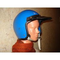 """Старый мотоциклетный шлем """"Салют"""". СССР, Гатчинский электромеханический завод """"Буревестник"""", начало 80-х годов прошлого столетия."""
