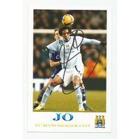 Jo(Manchester City, Англия). Живой автограф на фотографии.