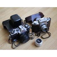 Зеркальные ретро фотоаппараты Exakta и Зенит ЕМ (с кожаными кофрами), плюс объектив Индустар - 50