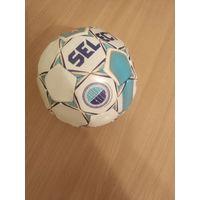 Сувенирный мяч одного из крупнейших в Европе детско-юношеского турнира по футболу Helsinki CUP.