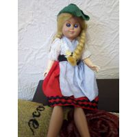 Кукла с донорскими ногами
