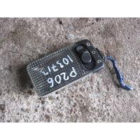 103713Щ Peugeot 206 центральный плафон