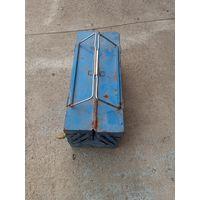 Ящик металлический раскладной для инструмента.