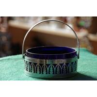 Ваза , вкладыш синее стекло  ( диаметр 10,5 см , высота  5 см , 12 см )