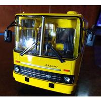Автобус Икарус 260 1:43