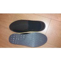 Летние мужские туфли дышащие, сетчатые с натуральной стелькой и качественной подошвой. Новые, 45 размер, по стельке-28см,длина подошвы-31 см. Производство-Польша.Подойдёт на любой возраст