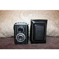 Фотоаппарат времён СССР, Любитель, в чёрном, лакированном чехле, хорошее состояние.