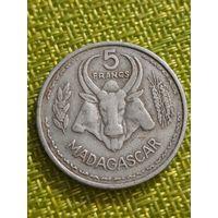 Мадагаскар  5франков 1953 г ..