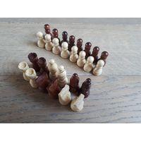 Шахматы деревянные. Не большого размера.