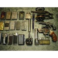 Зажигалки железные - в коллекцию. 21 штука + 2 в подарок.