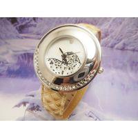 Женские новые часы Cartier