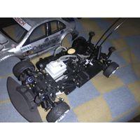 Автомобиль с радиоуправлением и работает от двигателя на нитрометаноле