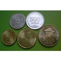 Вьетнам набор 5 монет 2003 года 200-5000 донг UNC